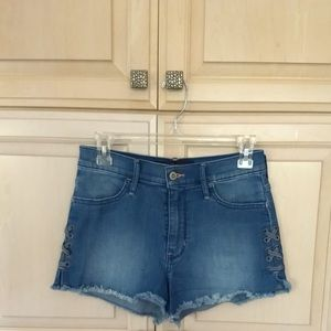 [LIKE NEW] Hollister: High-Rise Denim Shorts